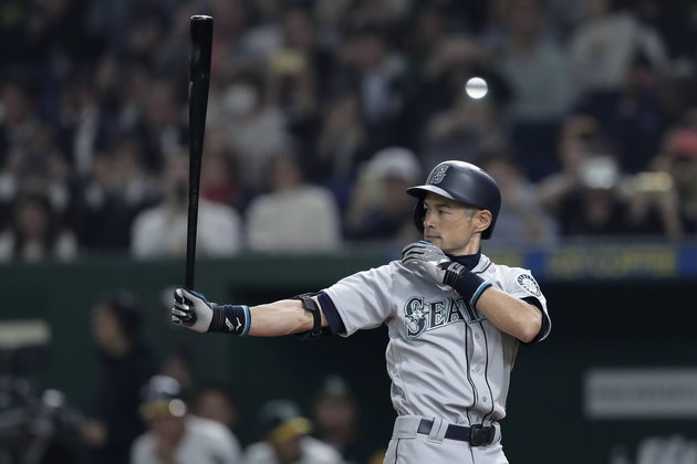 epa07450428 Outfielder Ichiro Suzuki of the Seattle Mariners prepares at bat in the third inning of the first game between the Oakland Athletics and the Seattle Mariners during the Major League Baseball Opening Games at Tokyo Dome in Tokyo, Japan, 20 March 2019.  EPA/KIYOSHI OTA
